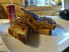 Bariatric Foodie: Bread after weight-loss surgery Healthy Bread Recipes, Pureed Food Recipes, Healthy Foods, Diet Recipes, Bariatric Eating, Bariatric Recipes, Bariatric Surgery, Acai Berry Diet, Protein Bread
