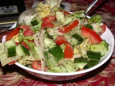 Salata is a perfect mezze dish to be on the table. Try this simple and delicious salata recipe, I am sure you will love it. New Recipes, Cooking Recipes, Favorite Recipes, Healthy Recipes, Atkins Recipes, Recipies, Healthy Cooking, Healthy Eating, Recipes