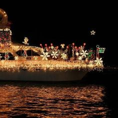 Christmas Boat Parade & Holiday Cruise: 100 years of history Newport Beach, CA #Kids #Events