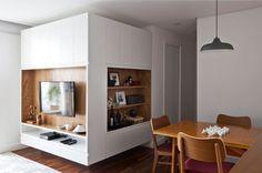 05a-integracao-e-marcenaria-funcional-otimizam-apartamento-pequeno