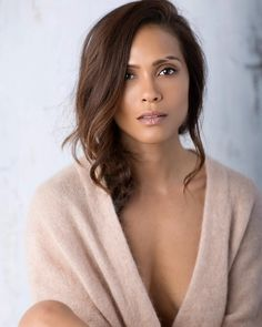 Risultati immagini per Lesley-Ann Brandt Lesley Ann Brandt, Pretty People, Beautiful People, Simply Beautiful, Eyebrow Slits, Eyebrows, Leslie Ann, Glossy Eyes, Beautiful Celebrities