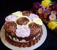 Tort cu trei tipuri de mousse Cupcake Recipes, Cupcake Cakes, Romanian Desserts, Let Them Eat Cake, Sweet Recipes, Caramel, Cake Decorating, Sweet Treats, Good Food
