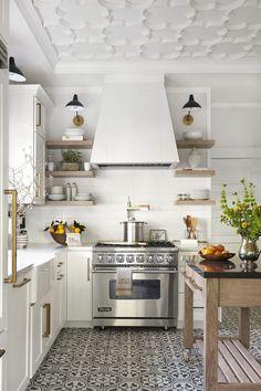 Modern Farmhouse Kitchens, Farmhouse Kitchen Decor, Home Decor Kitchen, Interior Design Kitchen, New Kitchen, Kitchen Decorations, Open Kitchens, Kitchen Ideas, White Kitchens