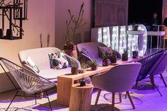 Blau und Grau, stilgerecht mit nautischem Charme. Lounges, Corner Desk, Furniture, Home Decor, Glamour, The Intouchables, Portuguese Tiles, Panel Room Divider, Grey