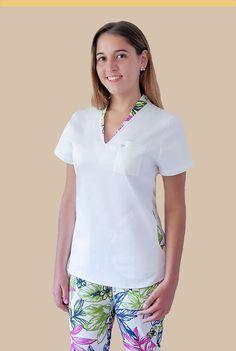 Sanidad - Ambo para telas con spandex Cute Scrubs Uniform, Scrubs Outfit, Dental Scrubs, Medical Scrubs, Dental Uniforms, Doctor Scrubs, Nurse Costume, Nursing Dress, Boho Designs