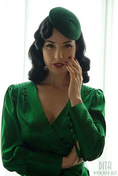 a9e67709a3425 She is always so stunning in emerald! Dita Von Tease