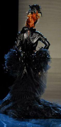 Mylène Farmer : Galeries / 2011 - Défile de mode - Jean Paul Gaultier Automne-Hiver 2011 (4) - Innamoramento.net