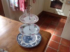 Three Tier Vintage Style Cakes Plate, stand. | eBay