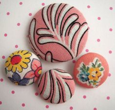 4 Vintage 1940s Floral Fabric Covered Buttons