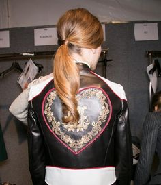 Moschino's Textured Low Ponytail Tutorial #hairstyles #ponytails