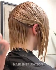 Easy Hair Cuts, Short Hair Cuts, Short Hair Styles, Hair Cutting Videos, Hair Cutting Techniques, Bob Hairstyles For Fine Hair, Undercut Hairstyles Women, Undercut Bob, Trending Hairstyles
