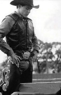 My heroes have always been cowboys Rodeo Cowboys, Hot Cowboys, Real Cowboys, Cute Country Boys, Country Men, Cowboy Photography, 19 Year Old Girl, Country Lyrics, Bull Riders