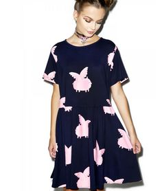 This winged-pigs dress. 21 Adorable Things You Need If Pigs Are Your Favorite Fly Dressing, Cool Outfits, Casual Outfits, Casual Clothes, Draped Dress, Gathered Skirt, Flying Pig, Smock Dress, Dress Patterns