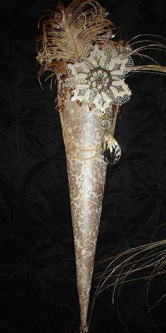 winter tussie mussie