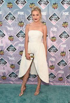 Teen Choice Awards 2016: Kelsea Ballerini walks the red carpet.