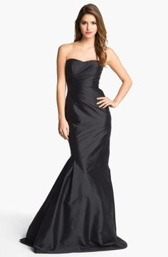 Gorgeous! ML Monique Lhuillier Black Strapless Trumpet Gown