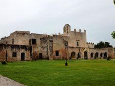Convento de San Bernardino en el Pueblo Magico de Valladolid, Mexico