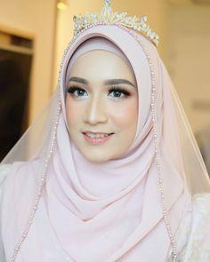 Kebaya Wedding, Muslimah Wedding Dress, Muslim Wedding Dresses, Hijab Bride, Wedding Hijab, Muslim Dress, Wedding Veils, Dress Brukat, Indonesian Wedding