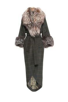 Пальто из шерсти с отделкой из меха лисы и поясом CHARISMA