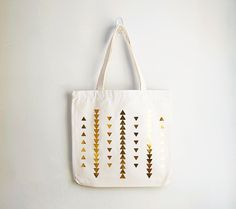 For those boho summer days, just around the corner. Tribal Gold Triangle Bag by Bodomint on Etsy Triangle Love, Triangle Pattern, Gold Pattern, Denim Tote Bags, Backpack Bags, Screen Printing, Etsy, Reusable Tote Bags, Handmade
