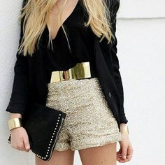 Black and gold. For the right venue, this would be fabulous. - Total Street Style Looks And Fashion Outfit Ideas Pastel Outfit, Look Fashion, Fashion Beauty, Womens Fashion, Fashion Trends, Fashion 2015, Fashion Black, Dress Fashion, Spring Fashion