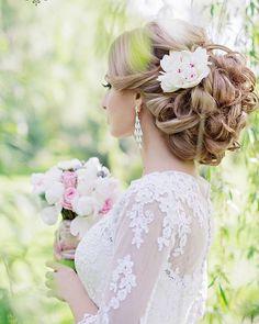Gallery: Elstie Long Wedding Hairstyles and Wedding Updos 2 - Deer Pearl Flowers / http://www.deerpearlflowers.com/wedding-hairstyle-inspiration/elstie-long-wedding-hairstyles-and-wedding-updos-2/