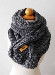 Chunky Scarf Handknit Big Cowl Extra Thick Cabled door LaimaShop