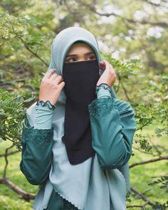 Hijab Dp, Hijab Niqab, Arab Girls Hijab, Muslim Girls, Niqab Fashion, Muslim Fashion, Beautiful Muslim Women, Beautiful Hijab, Hijabi Girl