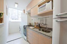 cozinha pequena com móvel planejado