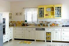 ארונית החאקי תכניס עניין למטבח והוא יהפוך למיוחד יותר.מצאתי לך תמונה ( לא עיצוב של - של אליה מטבחים )לא בירוק אבל אפשר אולי קצת לקבל מושג Light Green Kitchen, Kitchen Design, Kitchen Ideas, Country Kitchen, Home Kitchens, Kitchen Cabinets, Craft Ideas, Home Decor, Kitchens