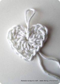 Scuola di uncinetto: come fare cuori semplici a crochet « Alessia, scrap &…