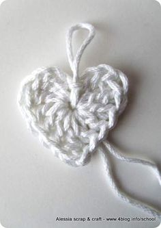 Scuola di uncinetto: come fare cuori semplici a crochet « Alessia, scrap & craft…