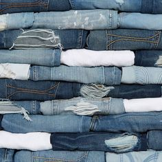 The new blues of Summer… Refresh your closet with all new washes in the Jeans Lounge.