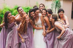 Quando ficamos noivas a primeira coisa que procuramos na internet são fotos de inspiração, não é mesmo? Sejam elas de penteado, vestido de noiva, cores do vestido das madrinhas ou imagens que queremos copiar no nosso grande dia. É por isso que ser noiva não é fácil, temos sempre mil arquivos salvos e várias ideias …