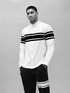fcuk fear x Anthony Joshua Fine Black Men, Hot Black Guys, Gorgeous Black Men, Handsome Black Men, Fine Men, Beautiful Men, Boxing Anthony Joshua, Black Men Street Fashion, Dreams