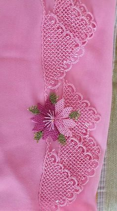 Point Lace, Needle Lace, Lace Making, Lace Flowers, Needlepoint, Diy And Crafts, Cross Stitch, Embroidery, Silk