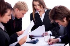 Management 101: Motivating Your Team  New managers often make the mistake of thinking that well-executed projects or exquisitely modeled revenue projections are the definition of success. But how you lead and motivate your team on you way to g