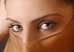 アラブ人女性の「目」が美しすぎる…
