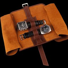 Porta Orologi leather watch travelcase. €195