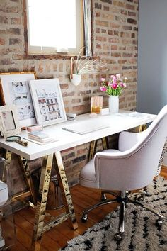 Stylish and feminine work table against the exposed brick wall - Pinterest: pattonmelo