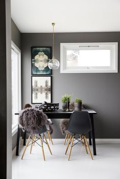 One more quickie before I head outdoors. Grey is such a magical colour, and I absolutely adore it in interiors, particularly when layered in multiple shades. This Oslo home I found on KK Living is div Dining Room Inspiration, Interior Inspiration, High Design, Interior Decorating, Interior Design, Decorating Ideas, Piece A Vivre, Dining Room Design, Dining Area