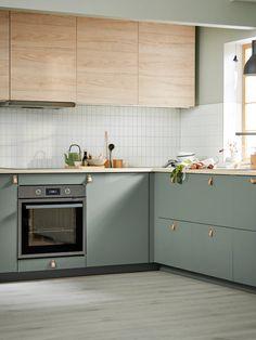 Ikea Metod Kitchen, Kitchen Cabinets, Ikea Kitchen Design, Ikea Kitchen Interior, Skandi Kitchen, Ikea Kitchen Remodel, Kitchen Furniture, Kitchen Dining, Kitchen Wood