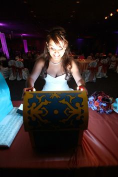 A sister opening her wedding gift box inspired by Legend of Zelda via Reddit user Binyeum