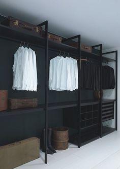 Que tal usar araras no lugar do armário? 40 ideias! Decoração masculina! Blog Bugre Moda / Imagem: Reprodução