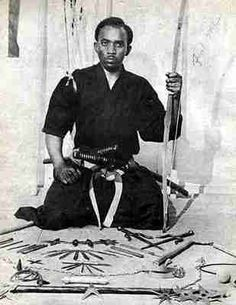 The Father of American Ninjitsu; the first African descent/American Ninja. Professor Duncan successfully demonstrated Ninjitsu in the although receiving acknowledgement from the Japanese government, he was intentionally omitted from Black Belt maga Jiu Jitsu, Karate, Kings & Queens, Aboriginal People, Black History Facts, Martial Artists, African Diaspora, African American History, Black Is Beautiful