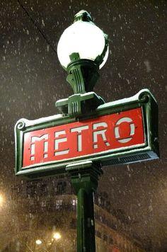 Snowy Sign on Boulevard Saint Denis at the Métro Entrance, Paris The Snow, Strasbourg, Tour Eiffel, Metro Paris, St Denis, U Bahn, Oise, Saint Michel, I Love Paris
