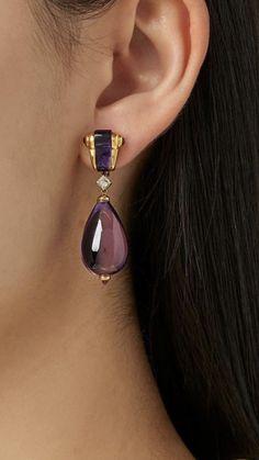 Resin Jewelry, Pearl Jewelry, Antique Jewelry, Jewelery, Antic Jewellery, Jewelry Accessories, Jewelry Design, Unusual Jewelry, Amethyst Earrings