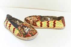 Handpainted Multicolored Giraffe Safari Shoes size 8 by kipgoods, $75.00
