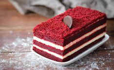 Red Velvet Cake (Without Food Coloring) Red Things red color food dye Food Cakes, Bolo Red Velvet Receita, Cake Recipes, Dessert Recipes, Desserts, Red Food Dye, Red Velvet Cheesecake, Raspberry Cheesecake, Easy Smoothie Recipes