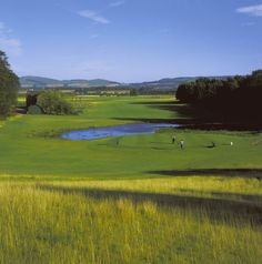 Strathmore Rannaleroch golf course offers challenging golf, picturesque scenery and a warm welcome to all visitors. As a pay-and-play facility, it ensures visitors have good access every day of the week.